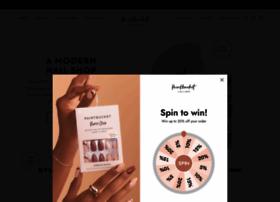 paintbucketnails.com